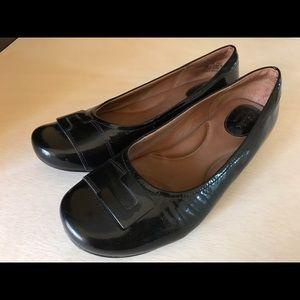 Clark's Artisan Black Patent Leather Shoe size 8